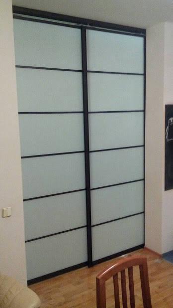 Раздвижная перегородка черная с матовым стеклом -1