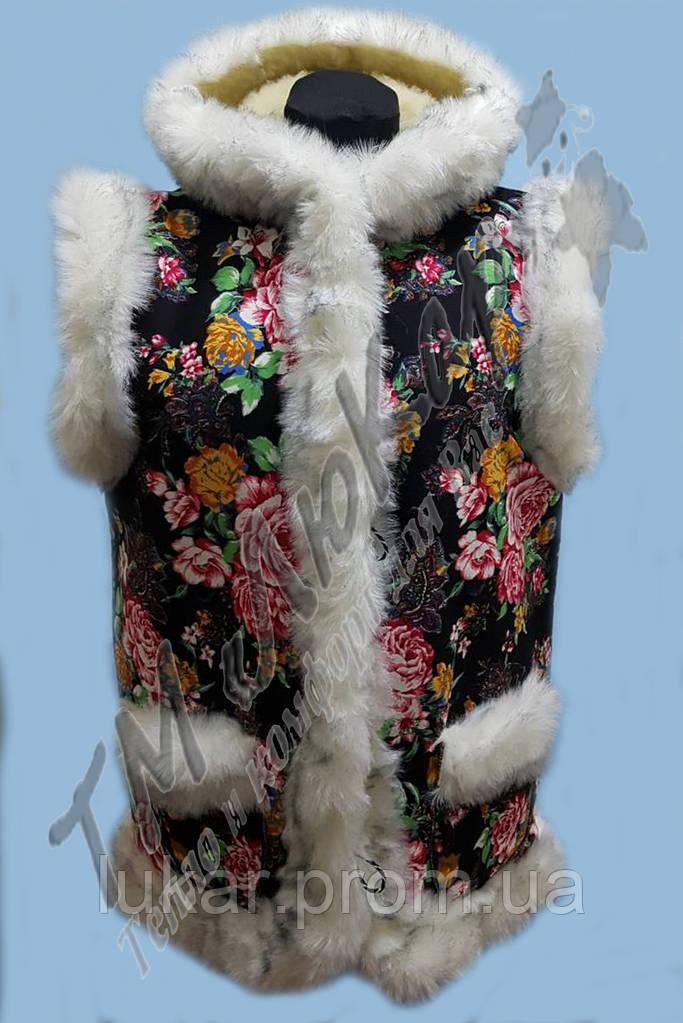 Меховая жилетка  с капюшоном на овчине люкар