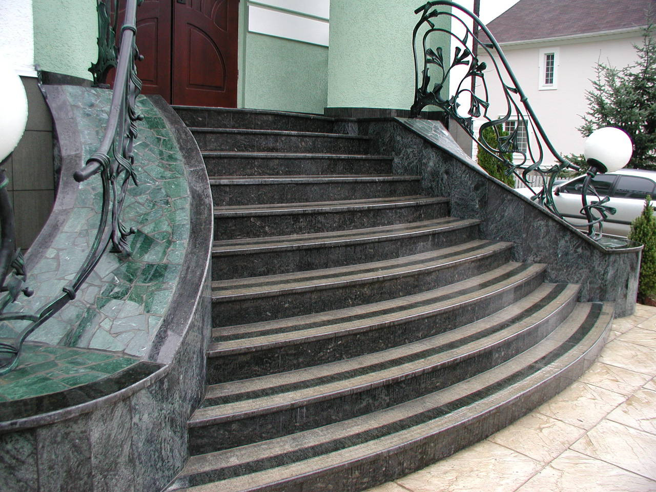 Наружные лестницы из гранита