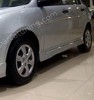 Накладки на пороги Hyundai Accent (06-11)