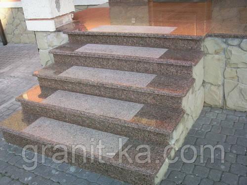 Комплектующие для лестниц из гранита