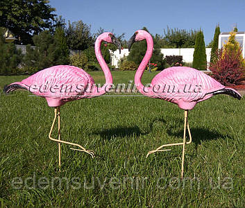 Садовая фигура два Фламинго на металлических лапах