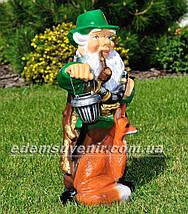 Садовая фигура Гном с лисой и фонарем, фото 3