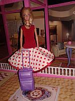 Подарок для девочки.Красивое платье  в красный горошек для куклы Барби.