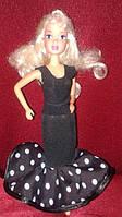 Красивое платье для куклы типа Барби, черное в горошек