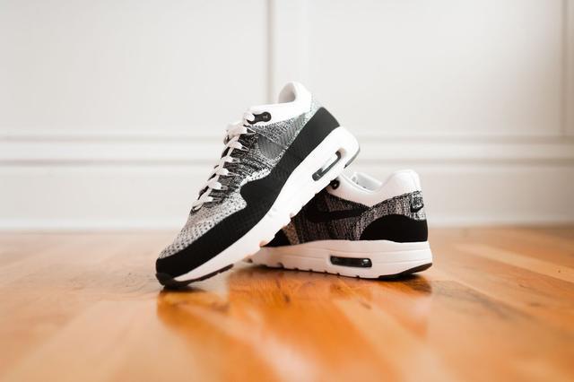 Кроссовки Nike Air Max фото