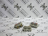 Блок предохранителей Infiniti QX56 (4591 7S200 / 2021 ZH00A / 1629 7S200), фото 1