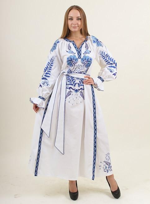 Вышитое платье из домотканого полотна с поясом