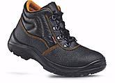Рабочая обувь: виды и особенности