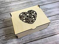 Деревянная шкатулка с сердцем (18х14х7см)