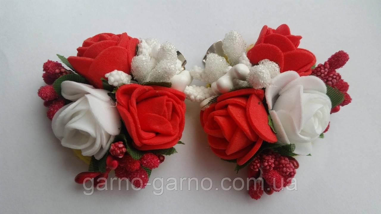Шпилька для волосся з білими й червоними трояндами
