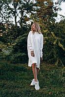 Модное платье широкое свободного кроя средней длины ангора с акрилом горловина-стойка длинный рукав белое