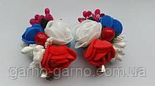 Заколка для волос с белыми, синими и  красными розами