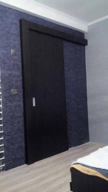 Раздвижные черные двери в комнату -1