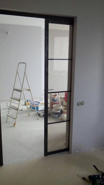 Черные раздвижные двери. Наполнение стекло сатин -1