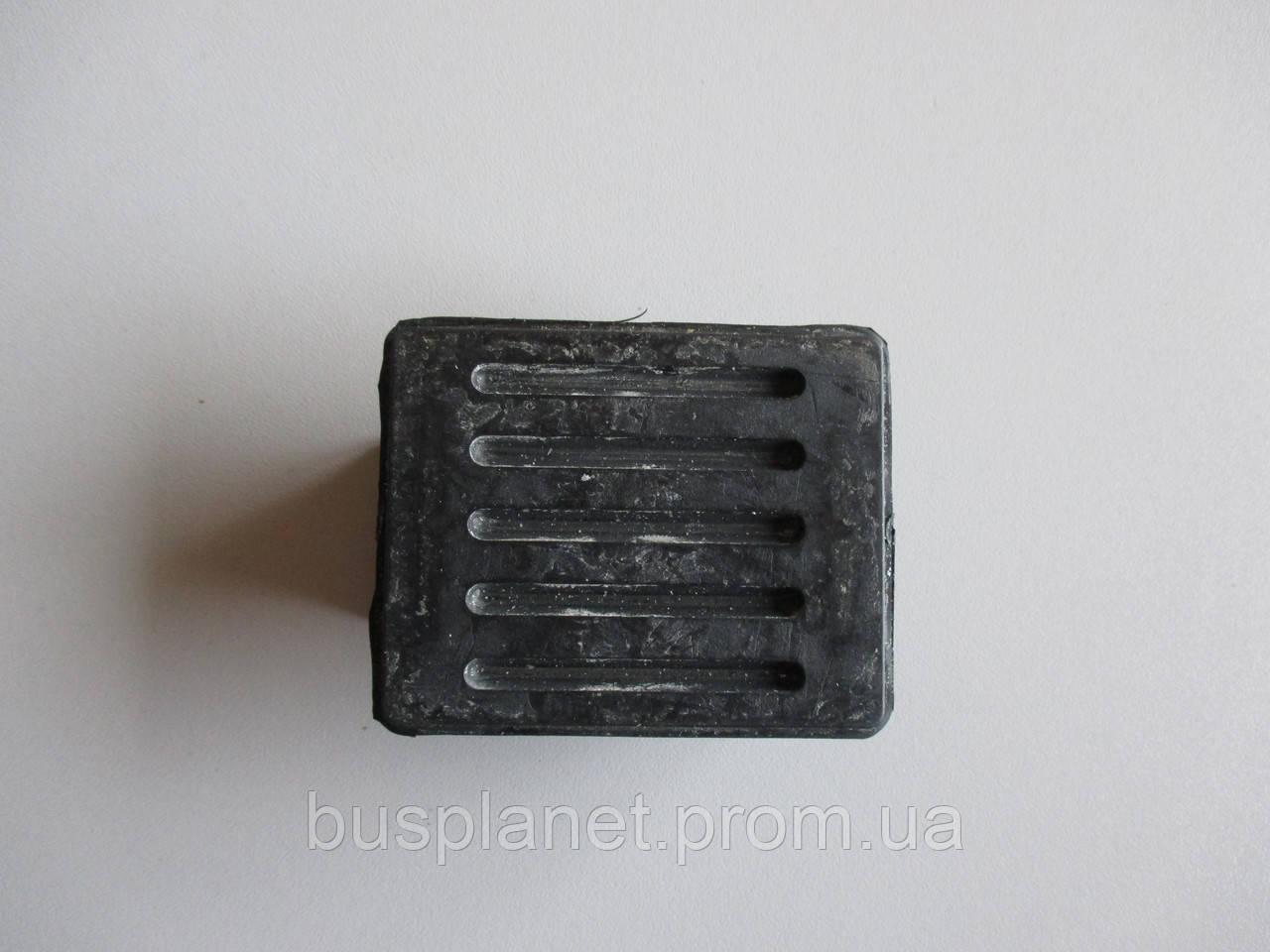 Подушка передньої ресори верхня (пластикової)