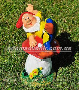 Садовая фигура Гном на мухоморе малый