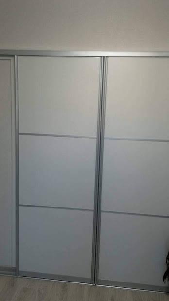 Белая межкомнатная перегородка в алюминиевом профиле -1