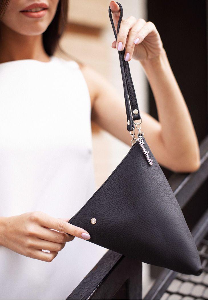 Клатч-сумочка, косметичка кожаная Пирамида черная (ручная работа)