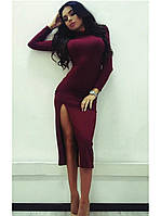 Стильное платье миди горло стойка сразрезом на правую ногу в модном цвете бордо