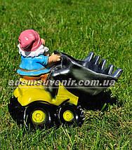Садовая фигура Гном тракторист, фото 3