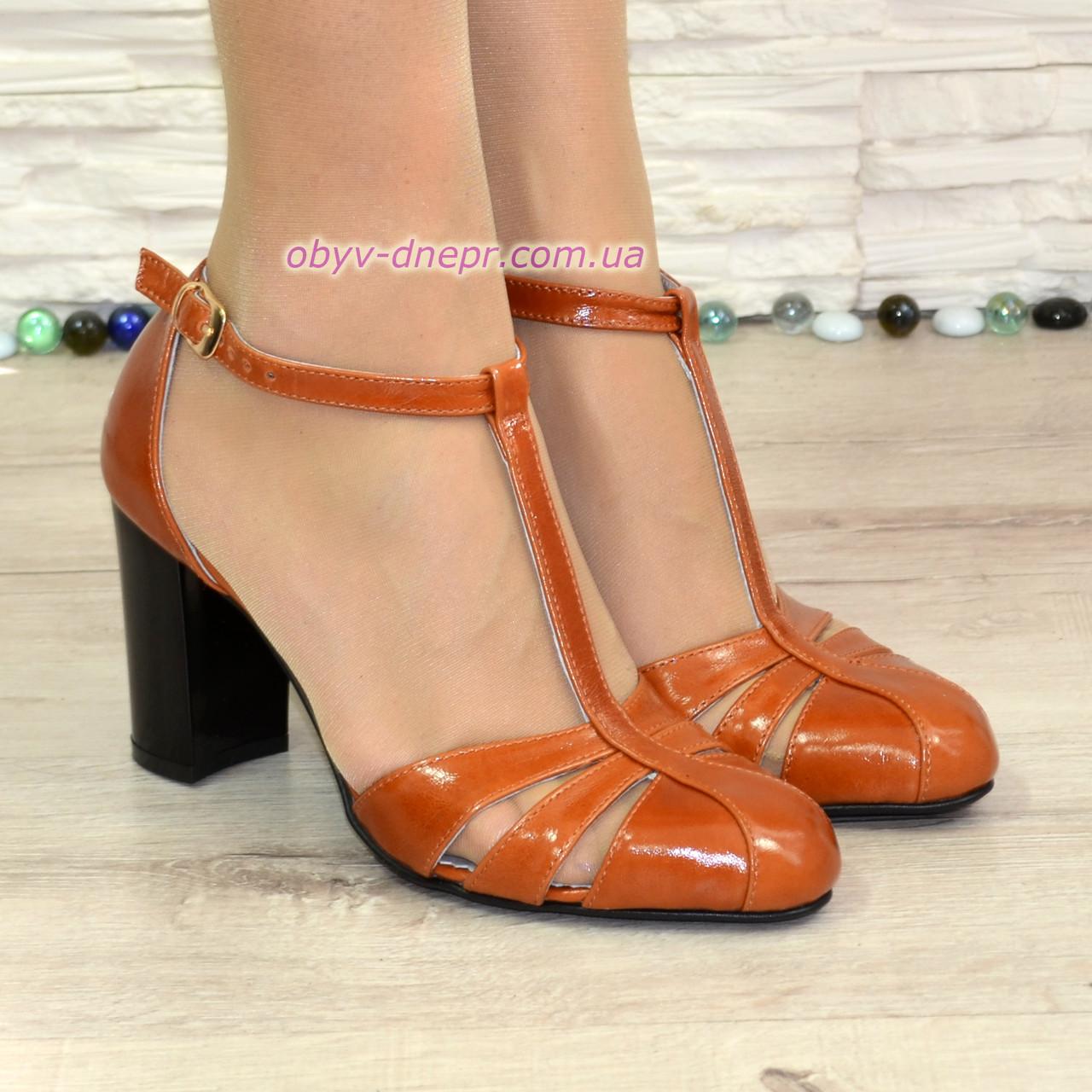 Женские кожаные босоножки на высоком устойчивом каблуке, цвет рыжий
