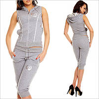 Літній спортивний костюм жіночий сірого кольору, Модель оформлена срібними вставками і втачнимі кишенями