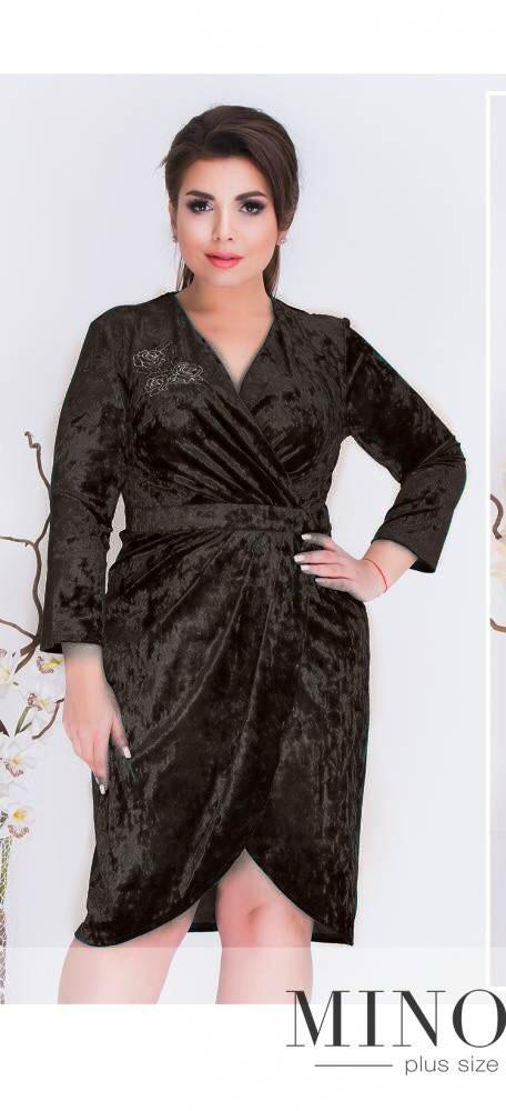 """Роскошное женское платье с аппликацией на груди ткань """"Бархат"""" 48 размер батал"""
