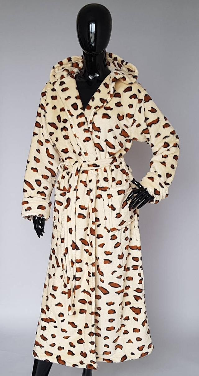зображення махровий халат леопардове забарвлення