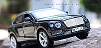 Коллекционная машинка Bentley Bentayga черная металлическая модель в масштабе 1:32, фото 1