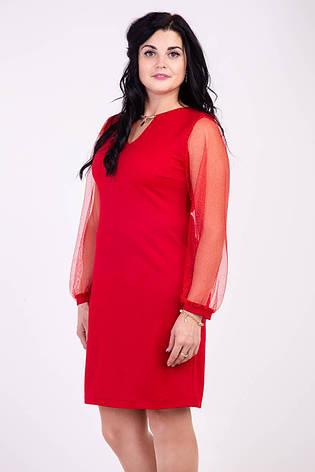 Модное платье красного цвета украшенное кулоном, фото 2