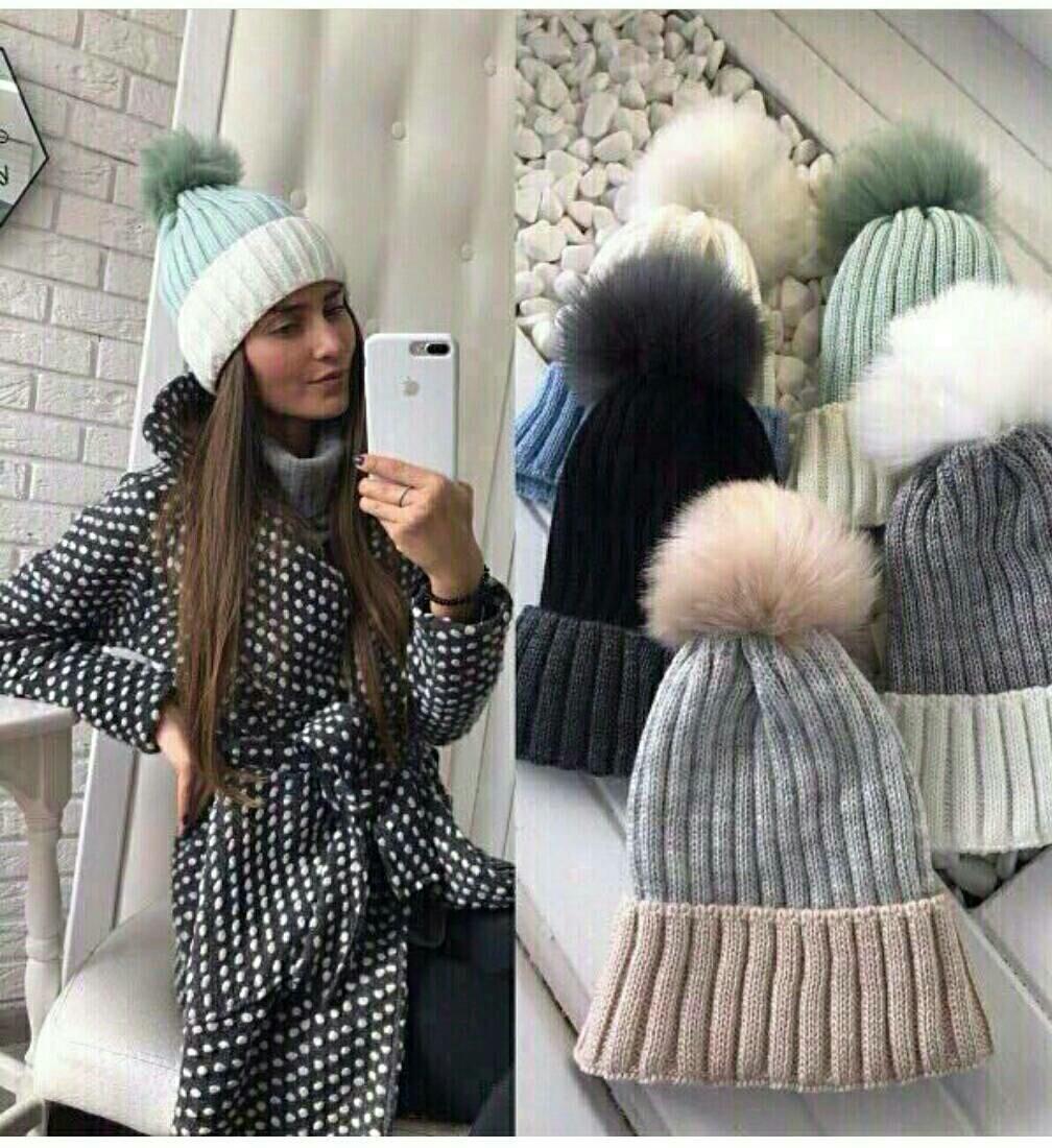 Женская зимняя вязаная шапка с бубоном кролик
