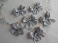 Новогодние банты на елку в блестках цвет серебро