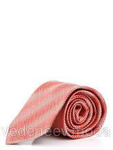 Красный галстук в диагональных квадратах