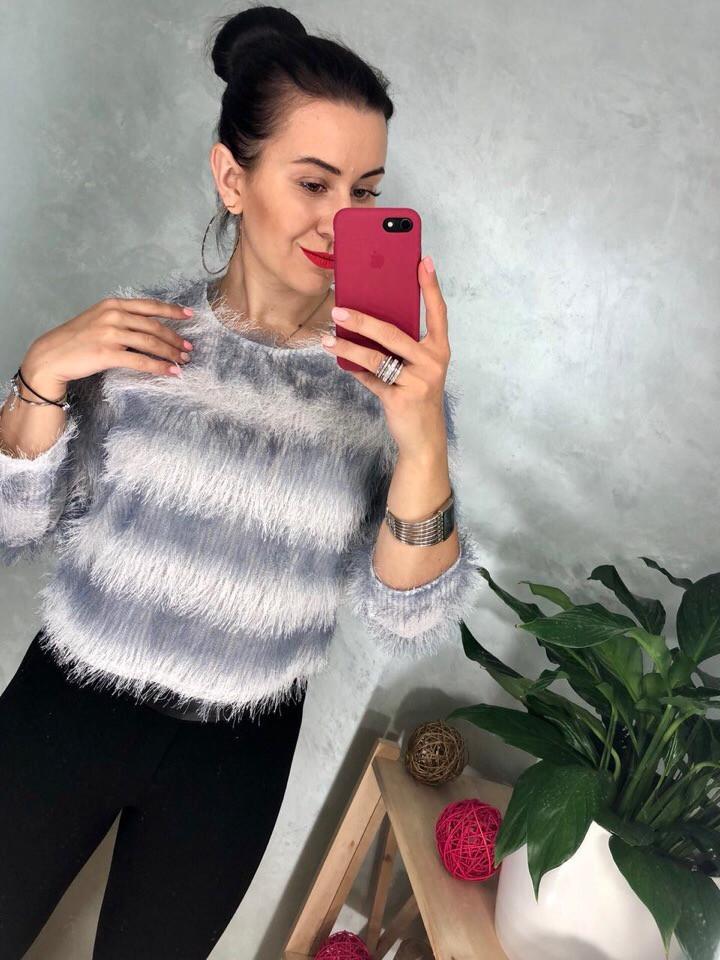 Хитовый пушистый  свитер -травка