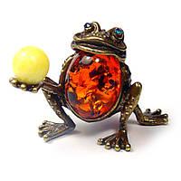 Лягушка фигурка из бронзы и янтаря