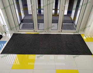 Грязезащитный ворсовый ковер на резиновой основе при входе в помещение 27
