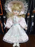 Кукла фарфоровая коллекционная средняя
