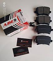 Комплект тормозных колодок (C2W021ABE) / задние AUDI A4,A6,A8,TT (B7,B8,C5,C6) 1.8 - 4.2, 6.0 W12