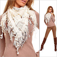 Белый шарф женский с узорами