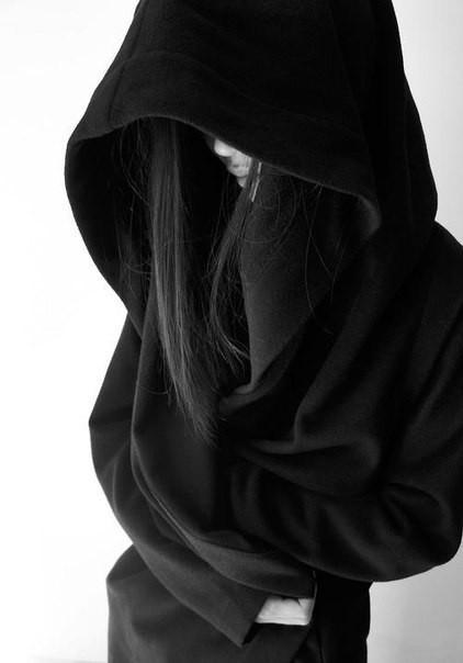Женская мантия с капюшоном под заказ от производителя. Копия Bat Norton 1:1