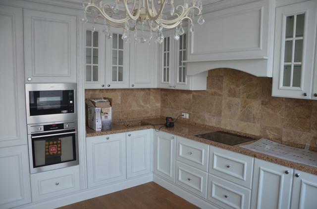 Кухня из массива дуба в классическом стиле