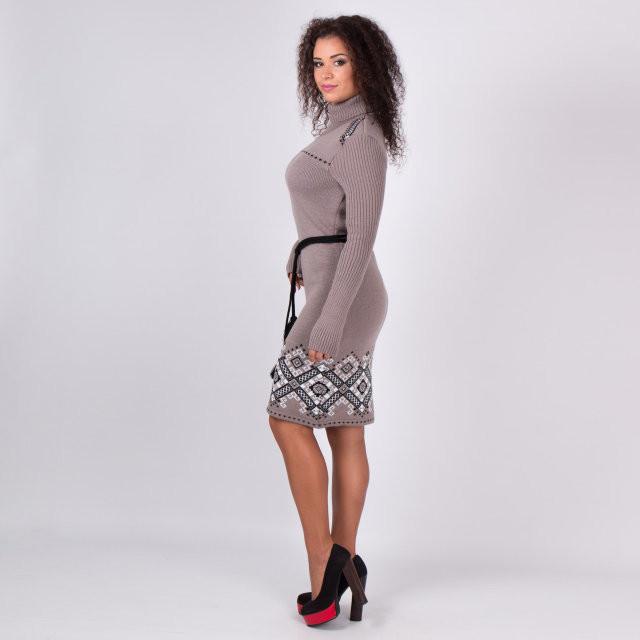 Теплое платье с ярким рисунком   продажа 8c8b5b90e3bd0