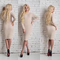 Нарядное вязаное платье льняного цвета