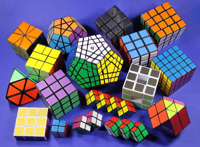 Головоломки, лабіринти, кубики Рубіка