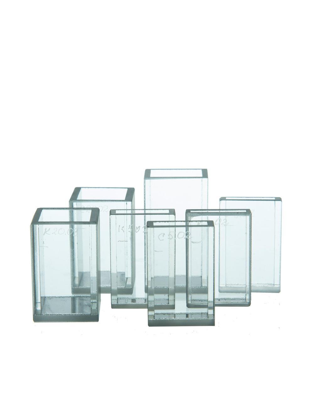 Кюветы для фотометрии из стекла К-8   10*5 мм с умен. объемом (1,5 мл)    (габаритные размеры 12х12х44) 12002316
