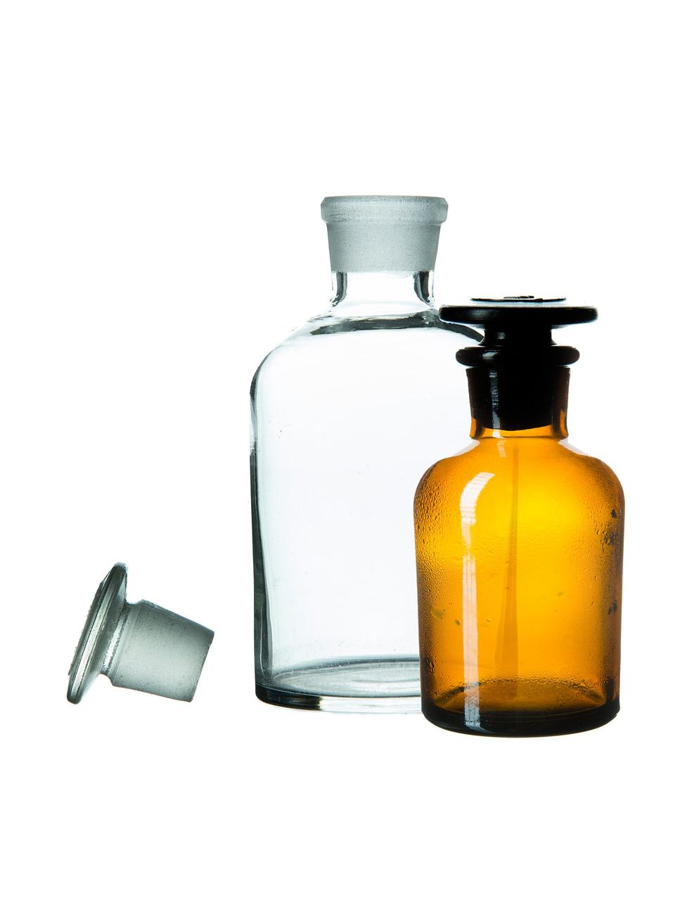 Склянка д/реактивов из светлого стекла с широкой горловиной и притертой пробкой,    500 мл