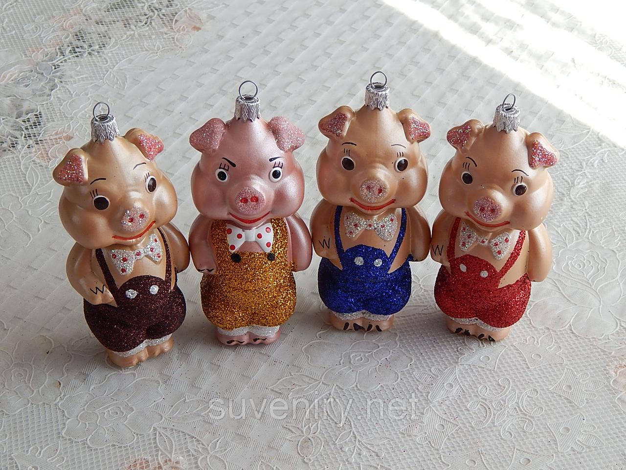 Красивая новогодняя игрушка на елку свинка