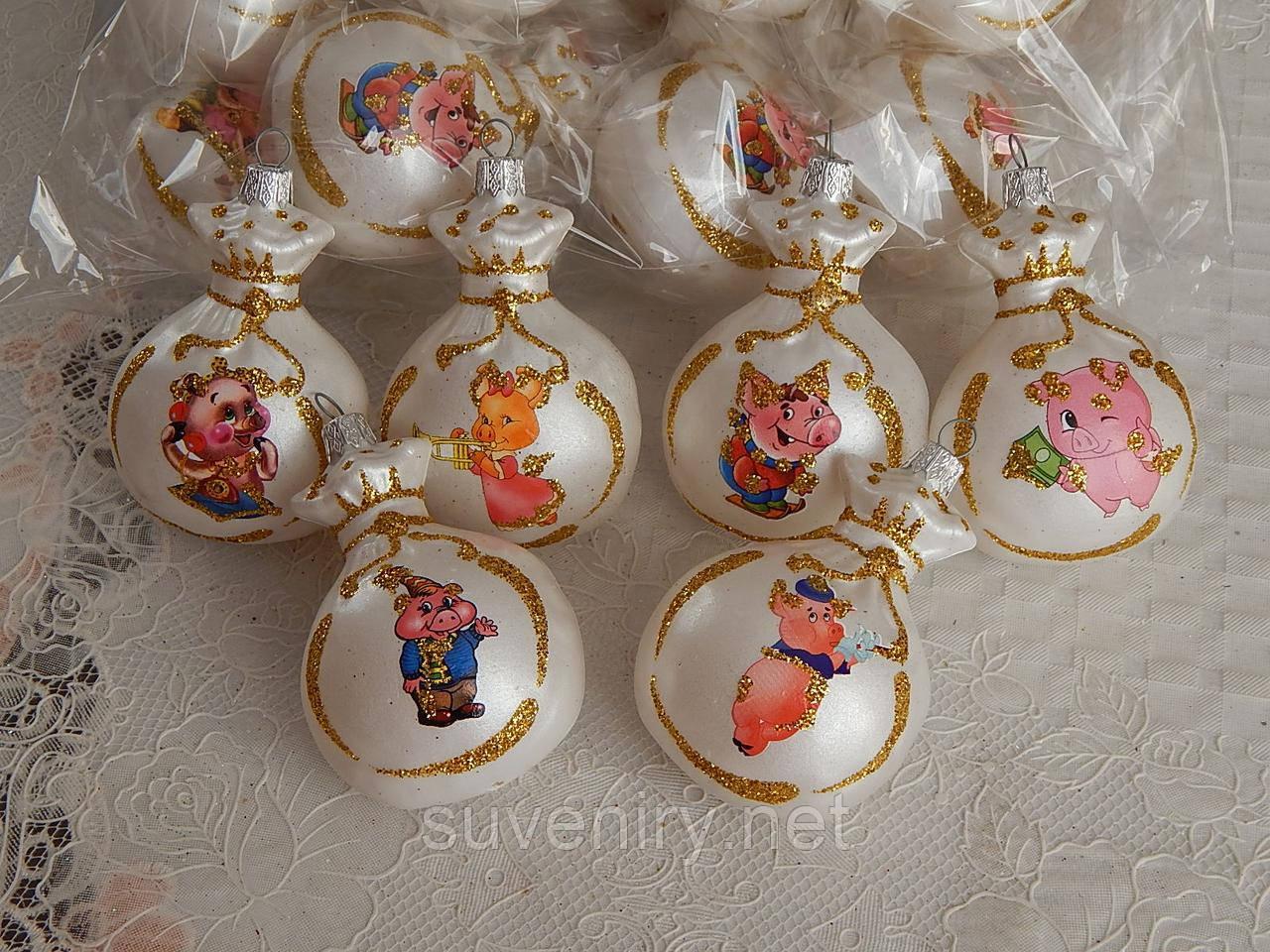 Новогодние шары игрушки на елку со свинкой