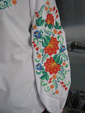 Женская вышиванка с красивыми цветами, фото 3